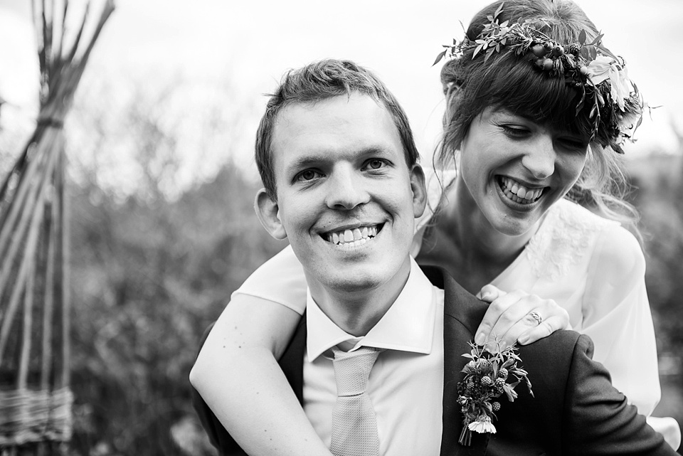 452 Fun wedding portrait