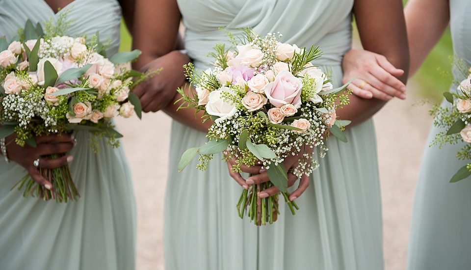 wedding top tips - all about wedding flowers